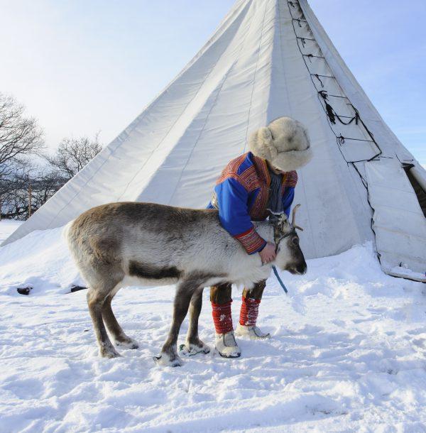 北フィンランドの先住民文化に触れる、アクティブな新婚旅行