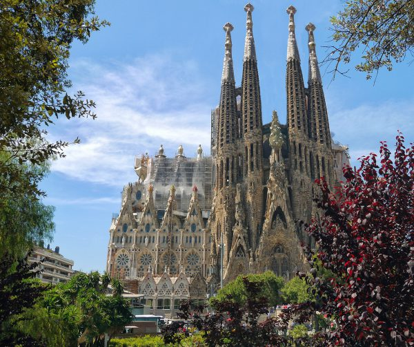 スペインハネムーン人気の観光先サグラダファミリア