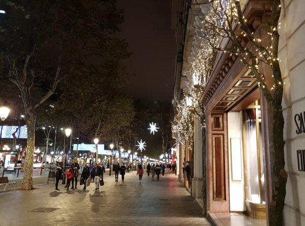 グラシア通りのクリスマスイルミネーション