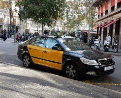 バルセロナのタクシーは車体が黒と黄色