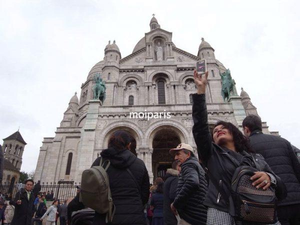 モンマルトル寺院は荷物チェックがあります