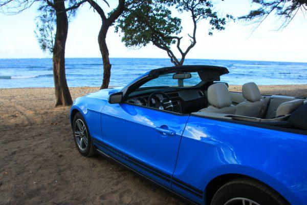 ハワイハネムーンでオープンカーをレンタル