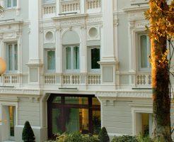 ホテルフローラフラスカーティの外観