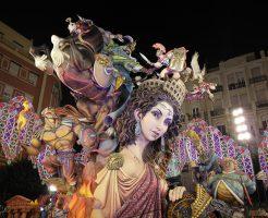 3月はバレンシアで火祭り