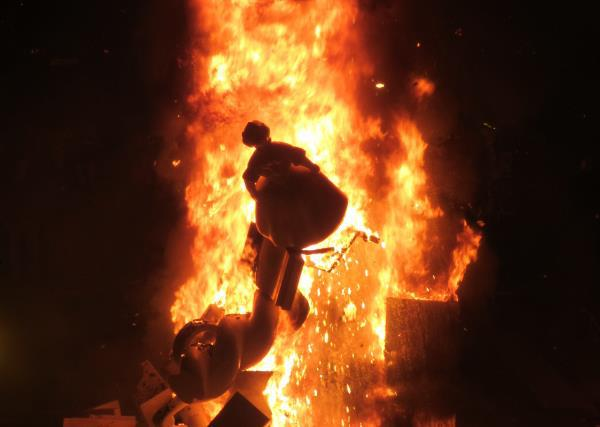 火祭り人形はすべて最終日に燃やします
