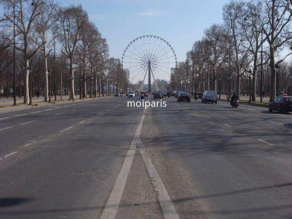 期間限定でコンコルド広場に登場する大観覧車
