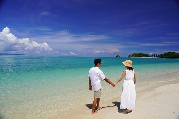美しいビーチを2人占めできるオクマリゾート