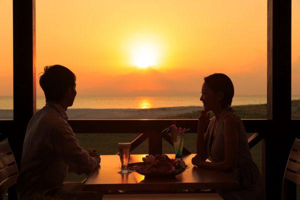 バーベキューレストラン「ビーチサイド」(写真提供:オクマ プライベートビーチ&リゾート)