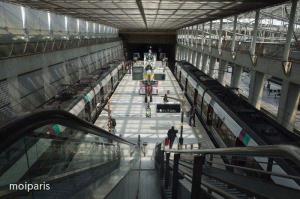 電車RER・B線を使ったパリまでの移動方法
