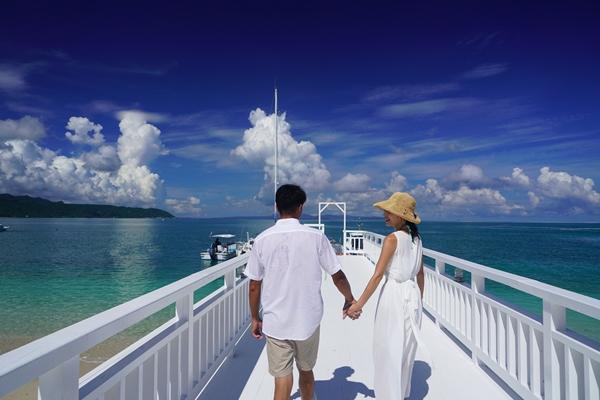 桟橋(写真提供:オクマ プライベートビーチ&リゾート)
