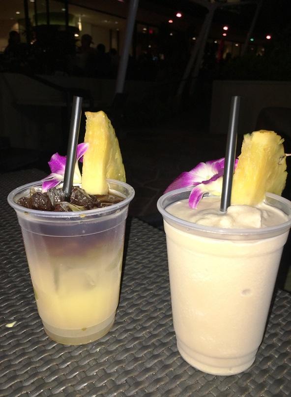 エッジ・オブ・ワイキキでハワイらしい夜