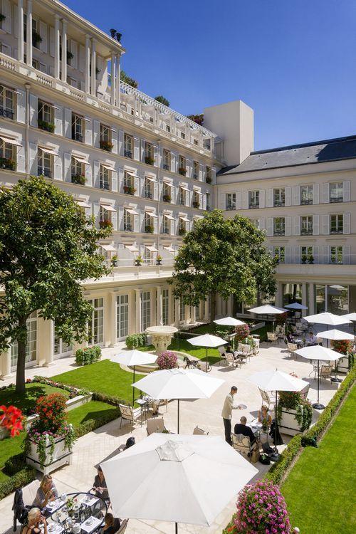 期間限定中庭レストラン「ル・ジャルダン・フランセ(Le Jardin Français)」