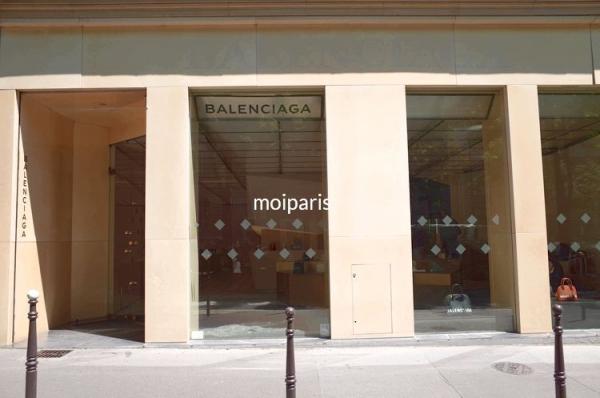 バレンシアガ本店