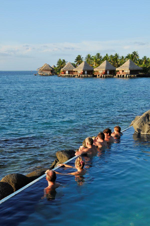 熱帯魚と泳げるラグナリウムプール