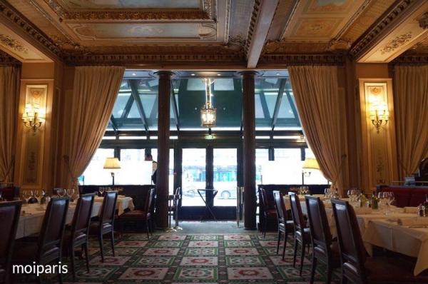 歴史的建造物としてこれからも輝き続けるカフェ
