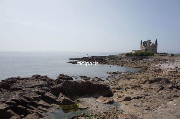 ブルターニュの海岸に残る個人のお城