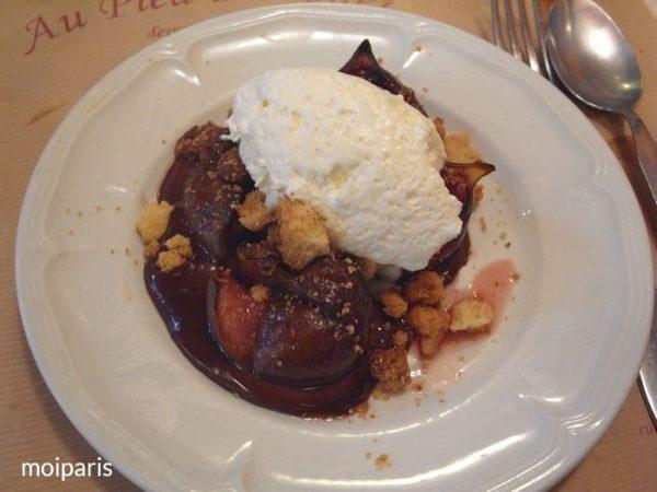 デザートは季節の1皿でチョコレートがけのイチジクの赤ワイン煮(Figues au vin rouge)