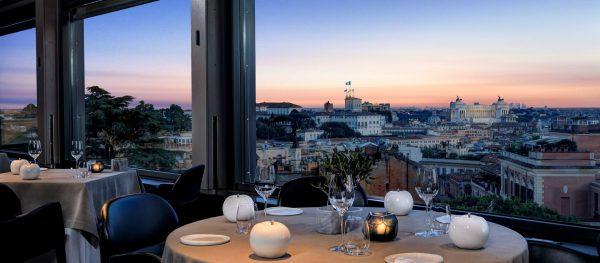 ホテル展望レストランからの眺め