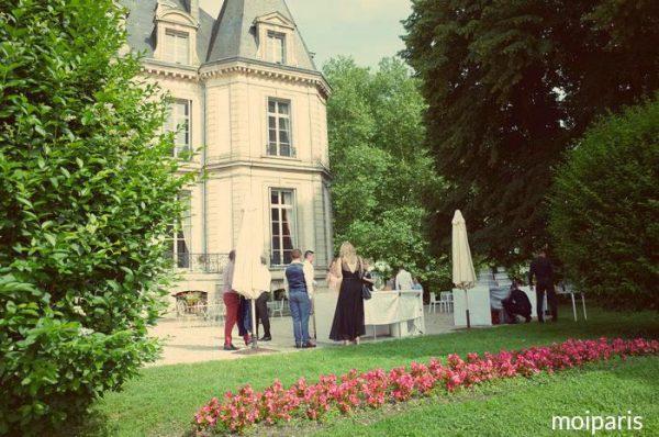ウエディング会場は「シャトー・ドュ・サントニー(Château de Santeny)」