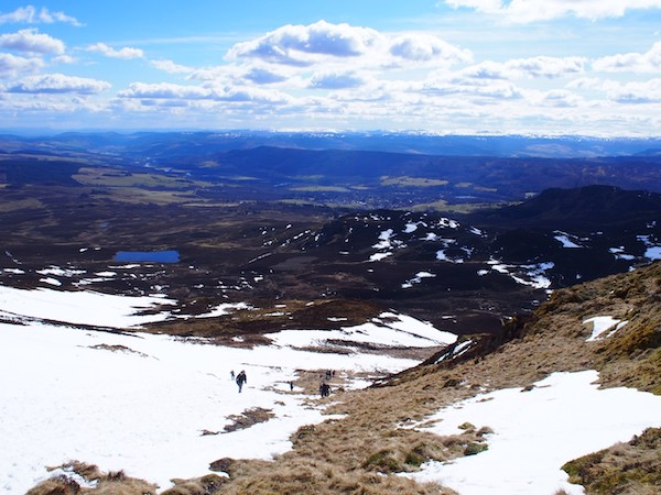 山頂からの景色は息を飲むほどの絶景