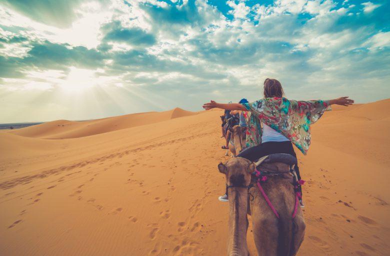 砂漠ツアーはストールが必需品