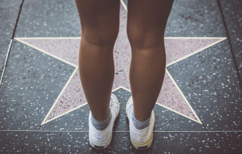 ハリウッドスターの名前が刻まれた星形