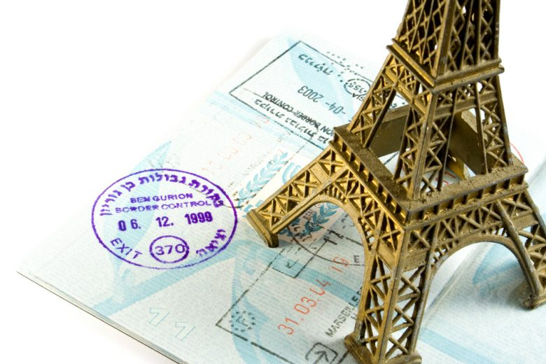 エールフランス航空でパリ経由が近い