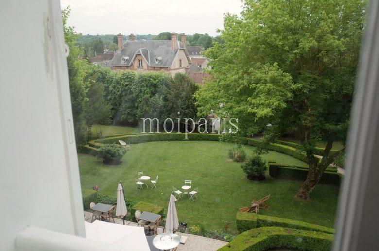 庭園と美しいプロヴァンの田園風景が一望できる部屋