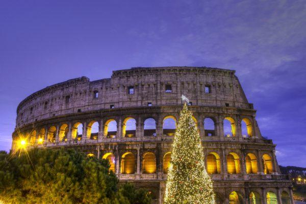 ローマのクリスマスは12月8日から