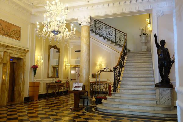 「バリオーニ・ホテル・レジーナ」のロビー
