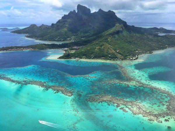 ボラボラ島は神が創った島