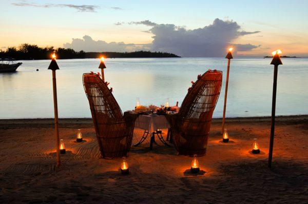 キャンドルディナーをビーチで