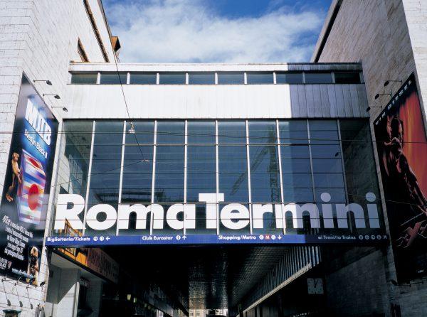 テルミニ駅のどちら側のホテルにするかが重要