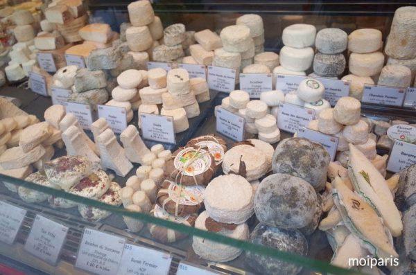 チーズの種類豊富さに圧倒されます