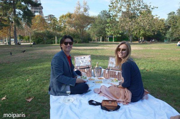 サプライズでピクニックを準備