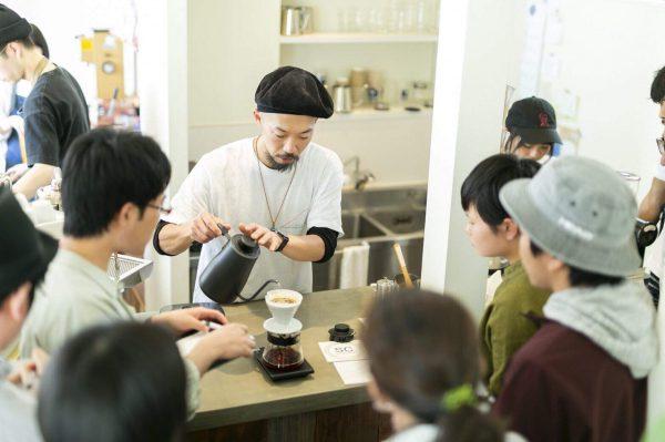 メルボルンカフェ文化を体験できるカフェを併設