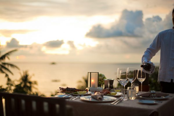 トリサラではお好きな場所で食事ができます
