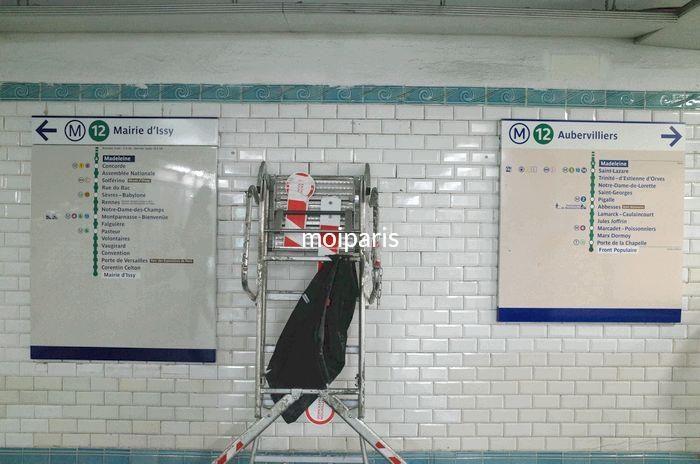 12号線の行き先を示す看板を確認