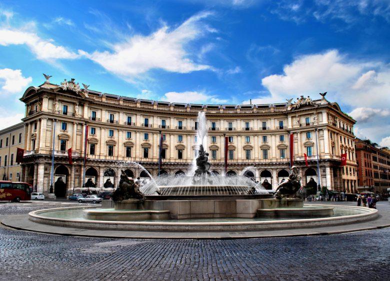 ローマ・リプブリカ広場