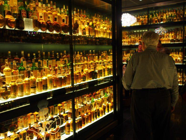 世界最大のスコッチ・ウイスキー・コレクションの展示室