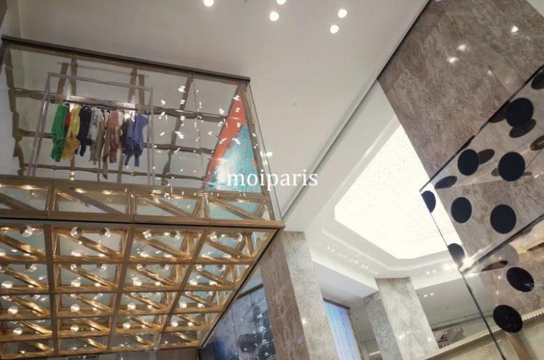 内装はデンマークの世界的建築家「ビャルケ・インゲルス(Bjarke Ingels)」