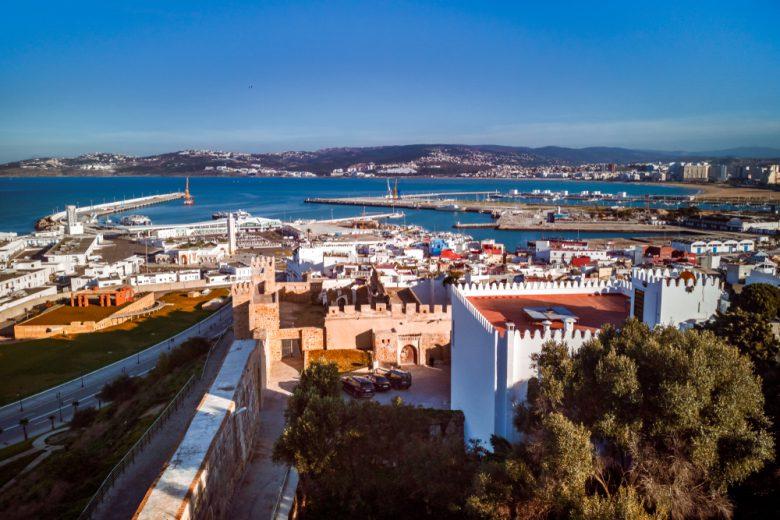 モロッコのタンジェからスペインを望む
