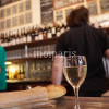 ハネムーンで特別な体験!パリの下町バー「ル・バロン・ルージュ」で地元パリジャンに混じって一杯いかが?