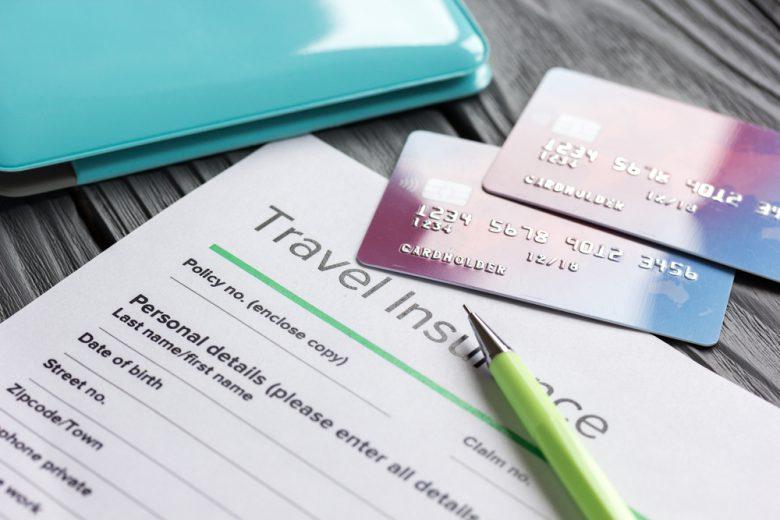 保険とクレジットカード