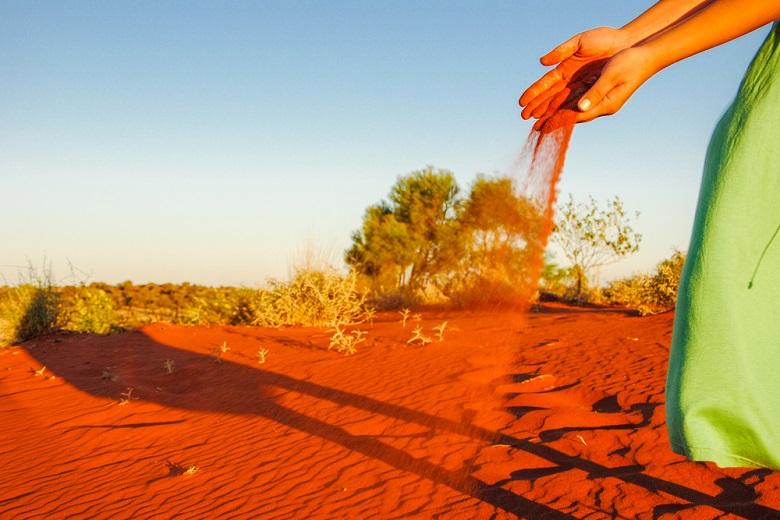 赤土の砂漠は服が汚れる