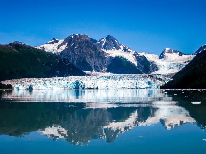 氷河「グレイシャーベイ国立公園」