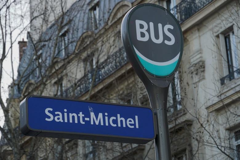 モンサンミシェルまで直通バスで行く