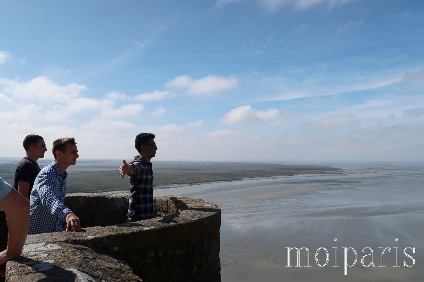 モンサンミッシェル、修道院内から眺める干潟。
