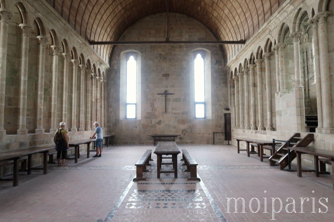 モンサンミッシェル、修道院内、木製の天井。