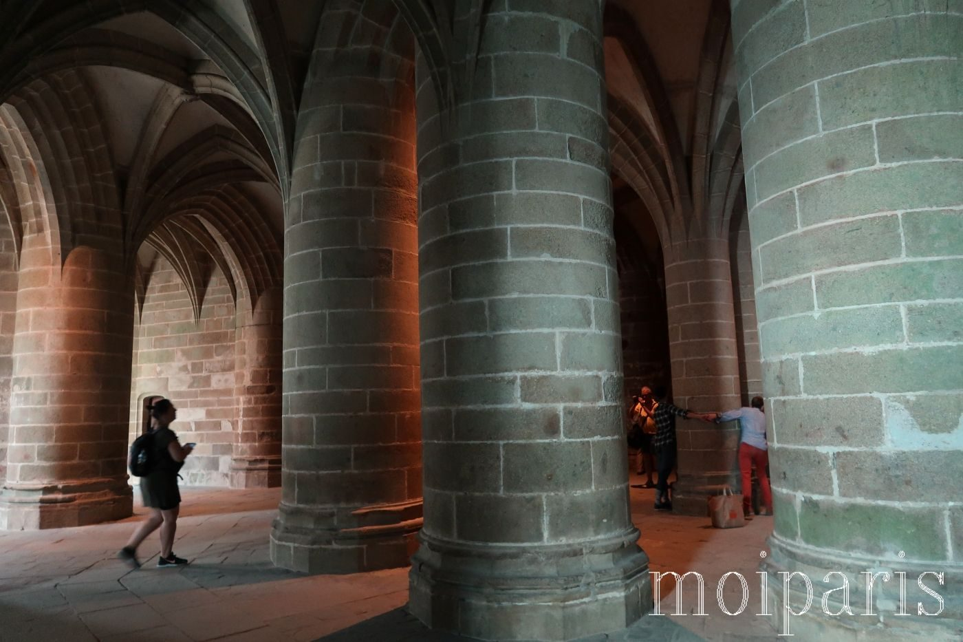 モンサンミッシェル、修道院内、地下、監獄としての歴史。